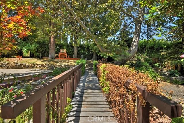 15531 Del Gado Drive, Sherman Oaks CA: http://media.crmls.org/mediascn/497978d8-4245-408f-95d9-c8cc5b0d33a2.jpg