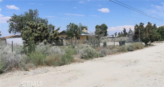 1150 Locust Road, Pinon Hills CA: http://media.crmls.org/mediascn/497afc7f-e54c-4dcc-9405-9d7cd556c62e.jpg