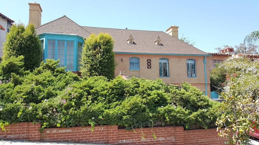 Property for sale at 3639 FAIRWAY BOULEVARD, View Park,  CA 90043
