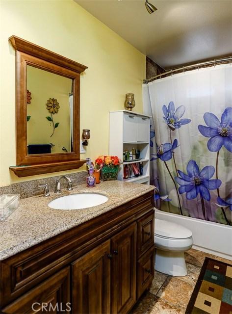 38757 Glenbush Avenue, Palmdale CA: http://media.crmls.org/mediascn/4ad9f819-c3d7-4a55-83ae-6b7f34804b5c.jpg