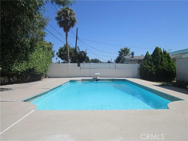 6624 Gross Avenue, West Hills CA: http://media.crmls.org/mediascn/4af1b2f7-191d-4c29-bd5e-65cd3ab4992a.jpg