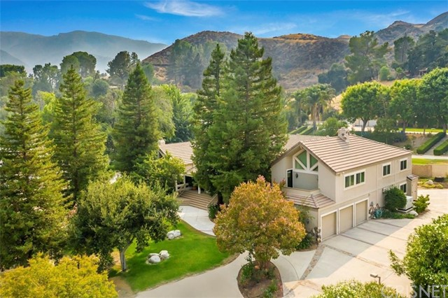 Photo of 16242 Pineview Road, Canyon Country, CA 91387