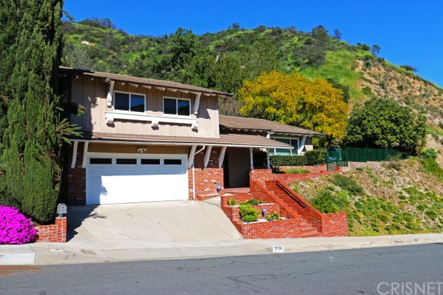 Single Family Home for Sale at 1726 Hillfair Drive Glendale, California 91208 United States