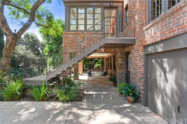 4016 Cromwell Avenue Los Angeles, CA 90027 - MLS #: SR18223927
