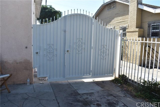 1942 W 43rd Street Los Angeles, CA 90062 - MLS #: SR18021170