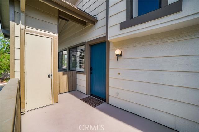 74 Maegan Place, Thousand Oaks CA: http://media.crmls.org/mediascn/4bb34103-b39d-4475-9e6c-af28a44792aa.jpg