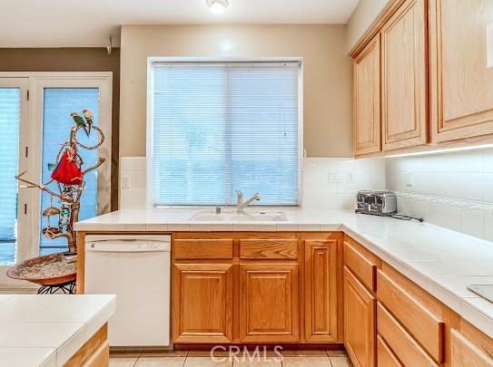 11760 Mariposa Bay Lane, Porter Ranch CA: http://media.crmls.org/mediascn/4c1482b6-1ef5-4e41-9f15-3a8a9975fd7f.jpg