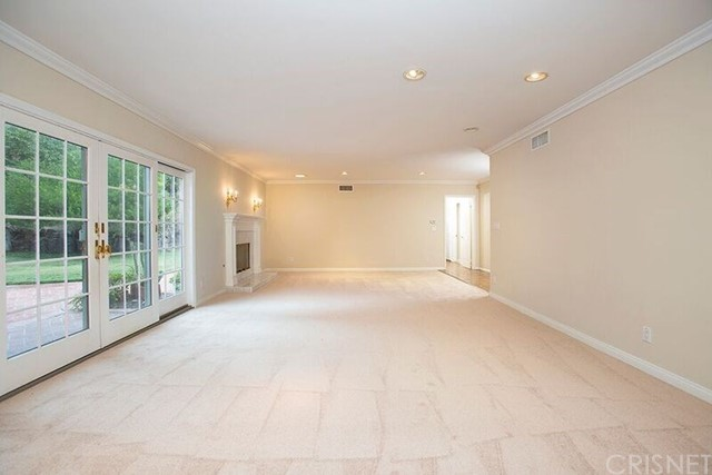 Additional photo for property listing at 17417  Halsted Street 17417  Halsted Street Northridge, California 91325 United States