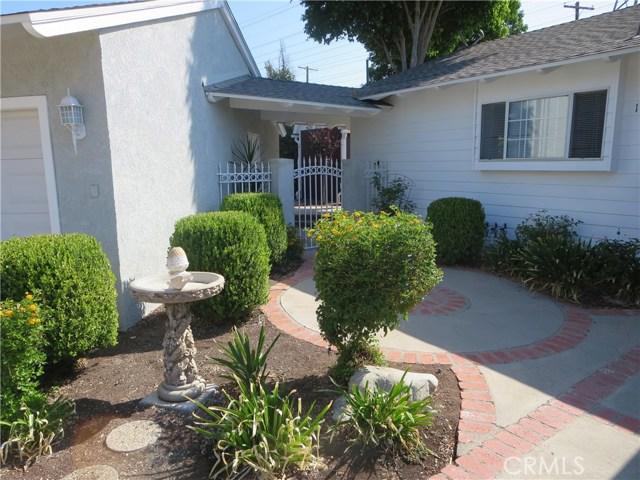 10836 Chimineas Avenue, Porter Ranch CA: http://media.crmls.org/mediascn/4c4a341e-f5af-4ec9-b94e-615d0c42395a.jpg