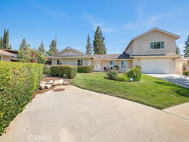 10215 Casaba Avenue, Chatsworth CA: http://media.crmls.org/mediascn/4c58ea0c-b4d6-41c4-89fd-b60995410090.jpg