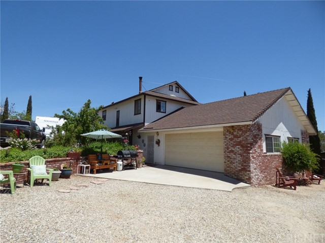 Single Family Home for Sale at 425 Cuddy Canyon Road Lebec, California 93243 United States