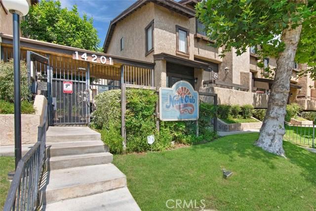 14201 Foothill Boulevard, Sylmar CA: http://media.crmls.org/mediascn/4c8daeb1-f297-4d91-b679-a86e0bd674a6.jpg