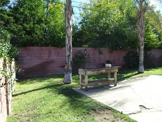10102 Debra Avenue, North Hills CA: http://media.crmls.org/mediascn/4c999ea5-1b68-4e6a-9658-61dd65c7ee29.jpg
