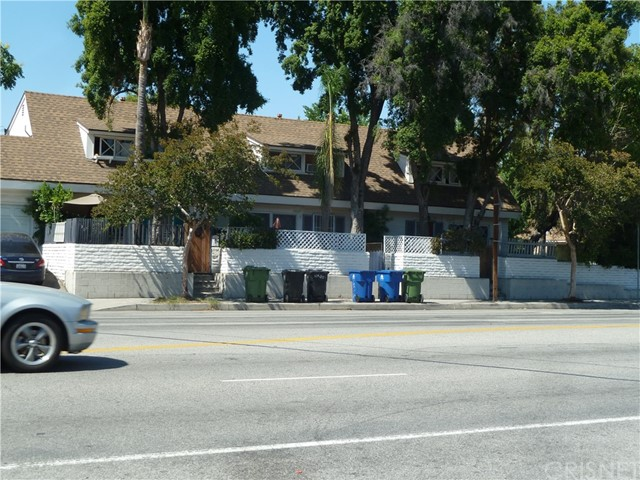 11667 Burbank Boulevard North Hollywood, CA 91601 - MLS #: SR18185424