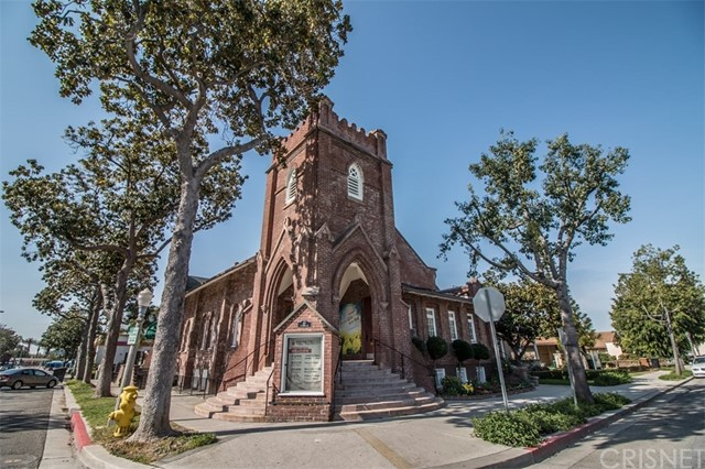 Single Family for Sale at 117 Pomona Avenue N Fullerton, California 92832 United States