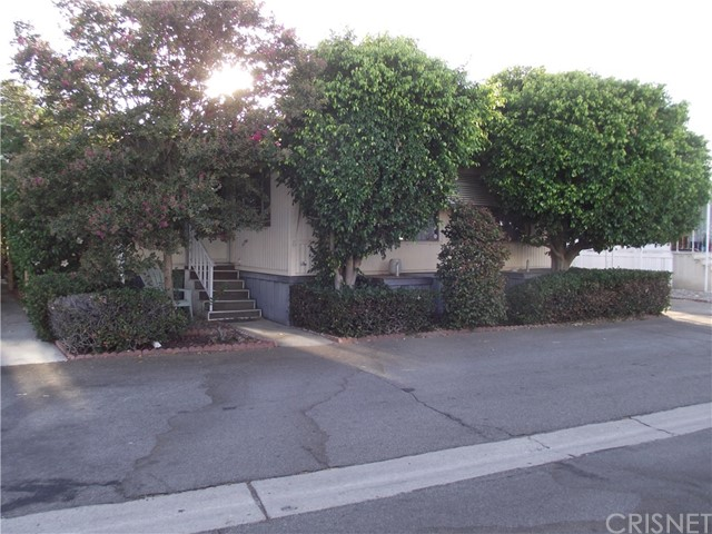 21500 Lassen Street Unit 8 Chatsworth, CA 91311 - MLS #: SR18213564