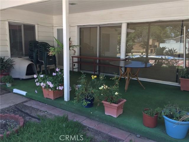 1266 Cary Avenue, Wilmington CA: http://media.crmls.org/mediascn/4d074d1b-3df5-4c43-997b-35d360b81d74.jpg