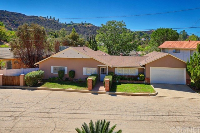 4111 Saltillo Street, Woodland Hills, CA 91364