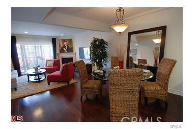 11911 Mayfield Avenue, Los Angeles CA: http://media.crmls.org/mediascn/4d20ea42-bc96-4515-b6f0-727dbd35f0d6.jpg