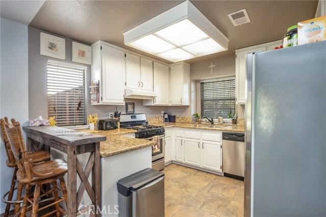 564 Conifer Drive, Palmdale CA: http://media.crmls.org/mediascn/4d5e04a1-78e2-45cc-8e5d-eb19f31f9a4f.jpg