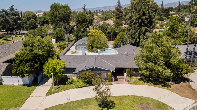Photo of 9445 Claire Avenue, Northridge, CA 91324