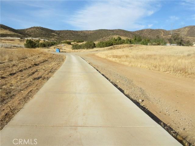 0 Dulce Ranch Road, Agua Dulce CA: http://media.crmls.org/mediascn/4d8e56da-9e5f-4f11-bc3c-72b6dfc0116f.jpg