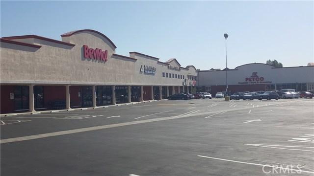 17909 Ventura Boulevard, Encino CA: http://media.crmls.org/mediascn/4d9ab55a-baa6-4a30-9199-6ca547b81124.jpg
