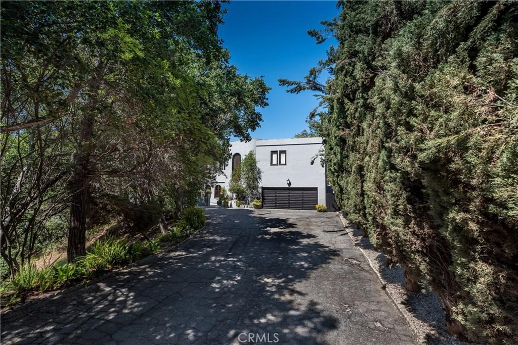 3727 MEADVILLE Drive, Sherman Oaks, CA 91403