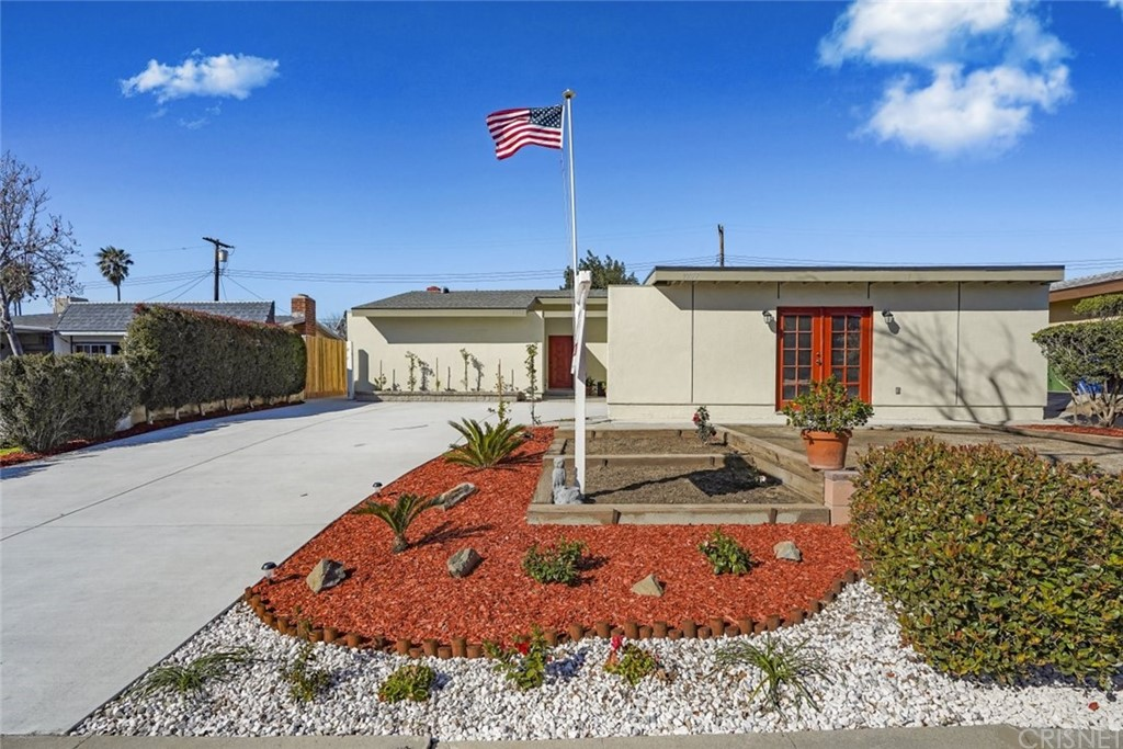 Photo of 9955 COMANCHE AVENUE, Chatsworth, CA 91311