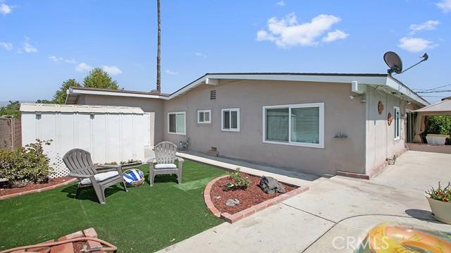 20338 Itasca Street, Chatsworth CA: http://media.crmls.org/mediascn/4e1ef212-7479-4ff0-b2de-a4ca8583906e.jpg
