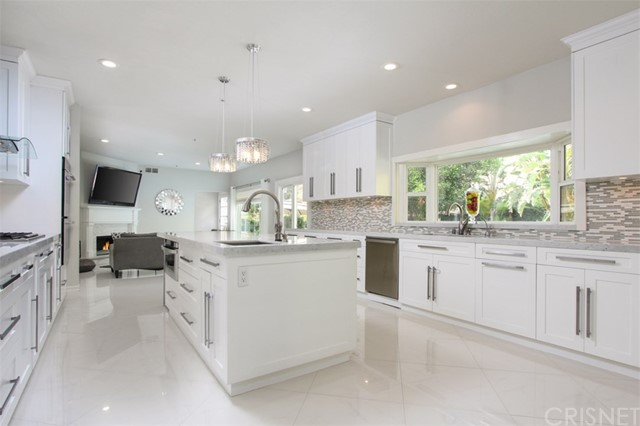 Single Family Home for Sale at 21 Coolwater Road 21 Coolwater Road Bell Canyon, California 91307 United States