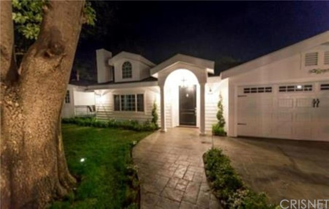 Single Family Home for Sale at 23141 Hatteras Street 23141 Hatteras Street Woodland Hills, California 91367 United States