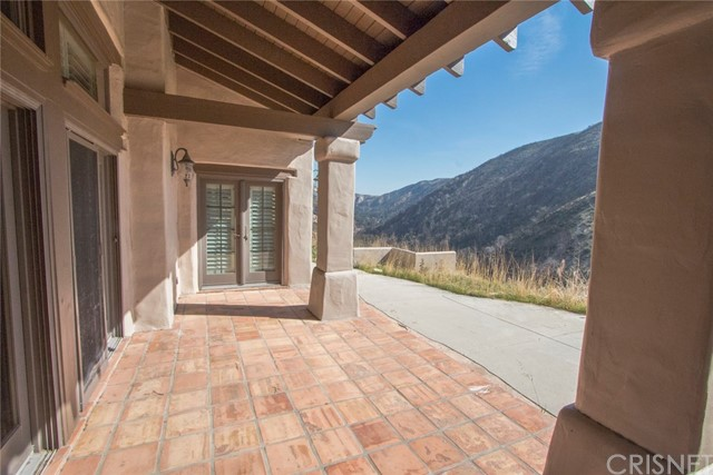 18755 Little Tujunga Canyon Road, Canyon Country CA: http://media.crmls.org/mediascn/4e5405f0-dffa-4896-8454-a1b1254f533b.jpg