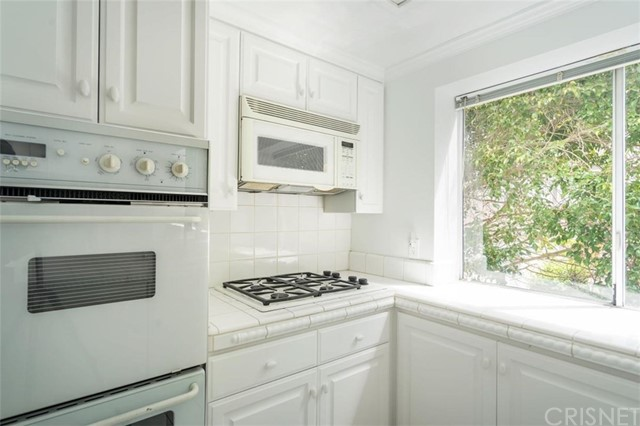 1115 19th Street, Santa Monica, California 90403, 3 Bedrooms Bedrooms, ,2 BathroomsBathrooms,For Sale,19th,SR20044967