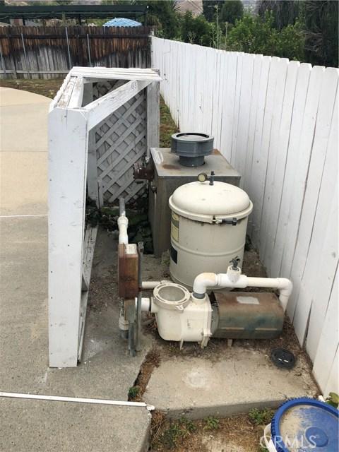 6622 Franrivers Avenue, West Hills CA: http://media.crmls.org/mediascn/4e759500-dea2-490a-8cab-c1cad90b4144.jpg