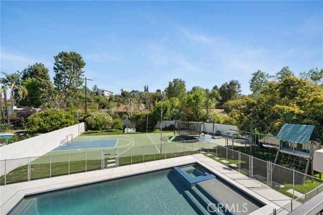 6140 Fenwood Avenue, Woodland Hills CA: http://media.crmls.org/mediascn/4e7696a0-06d9-4139-9e72-d4da0d0ea31f.jpg