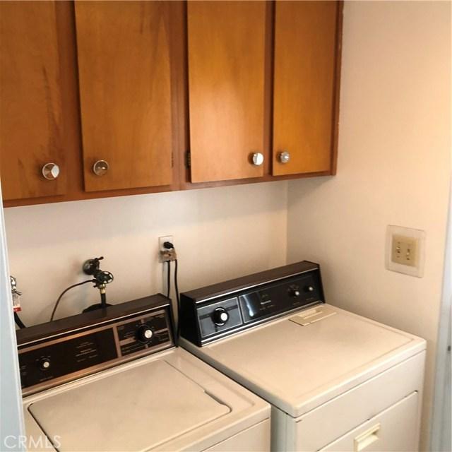 6622 Franrivers Avenue, West Hills CA: http://media.crmls.org/mediascn/4e84b954-d85a-4313-a77e-e2a85336070c.jpg
