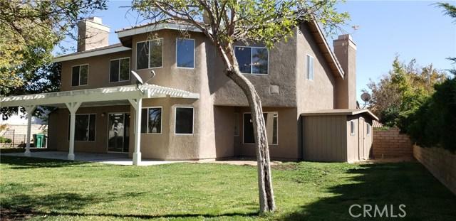 41433 Sequoia Avenue, Palmdale CA: http://media.crmls.org/mediascn/4e9bbfb8-c770-43e2-8bf8-574484091859.jpg