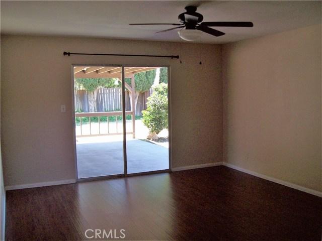 730 Sierra Avenue, Moorpark CA: http://media.crmls.org/mediascn/4e9d4837-13c7-4bb7-b326-cfb8ec12e3c8.jpg