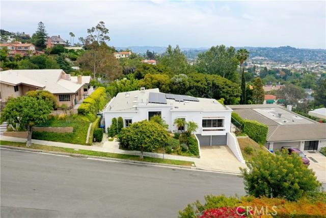 2258 Winona Boulevard, Los Angeles CA: http://media.crmls.org/mediascn/4ed54abb-24ad-4c5c-9446-109f550a6f98.jpg