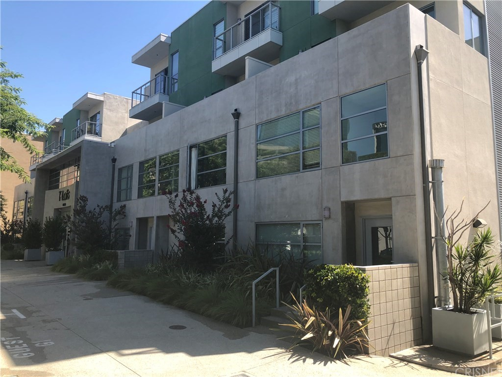 Property for sale at 11500 TENNESSEE AVENUE #101, West Los Angeles,  CA 90064