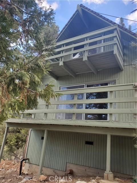 2056 Woodland Drive, Pine Mountain Club CA: http://media.crmls.org/mediascn/4ee9cf20-eff5-4be7-b102-aa509920d5eb.jpg