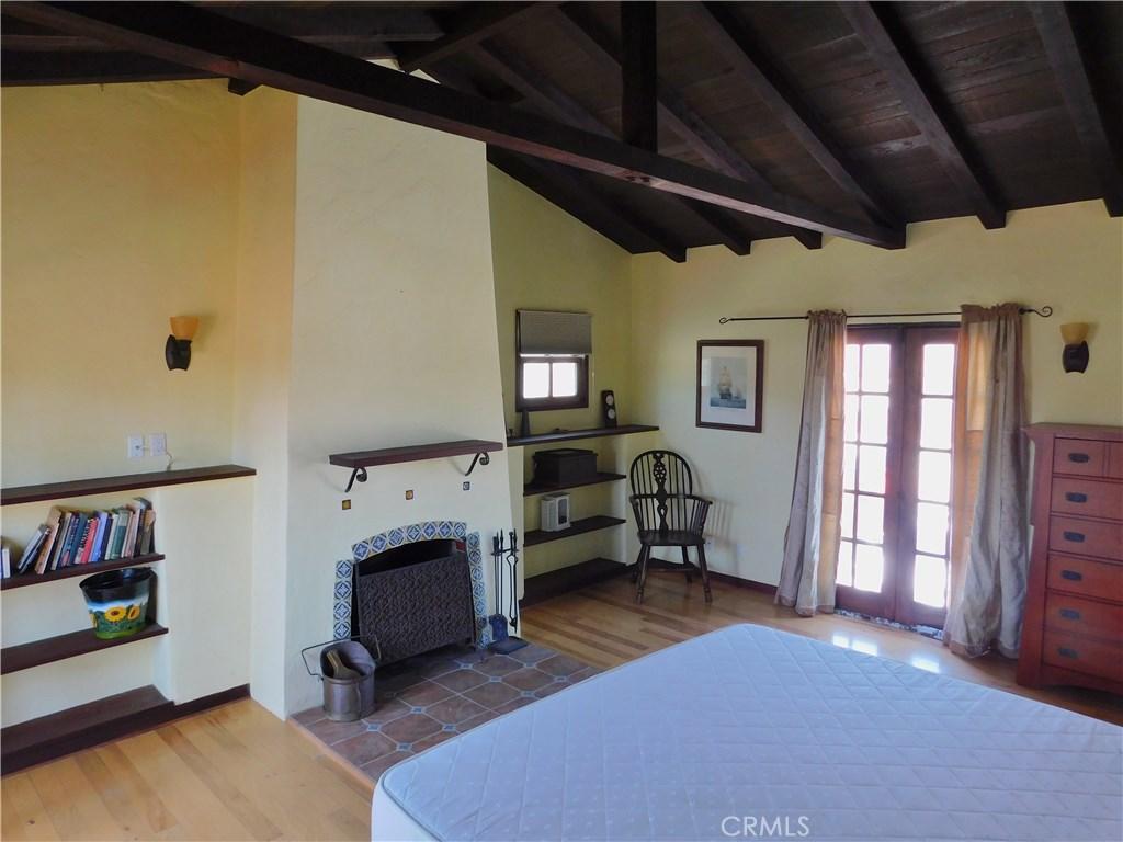 1028 BATH LANE, VENTURA, CA 93001  Photo 11