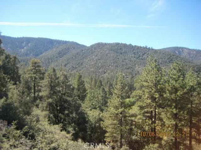 16401 Grizzly, Pine Mtn Club CA: http://media.crmls.org/mediascn/4f48e8be-4c56-493f-9c08-482d2b1df391.jpg