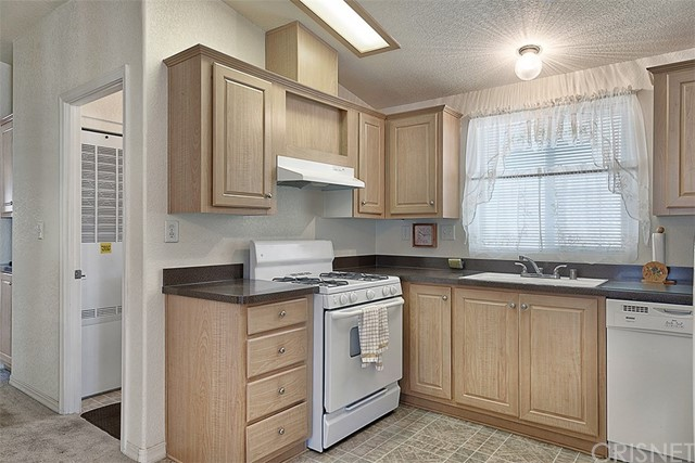 21427 Bramble Way Unit 0 Saugus, CA 91350 - MLS #: SR18072982