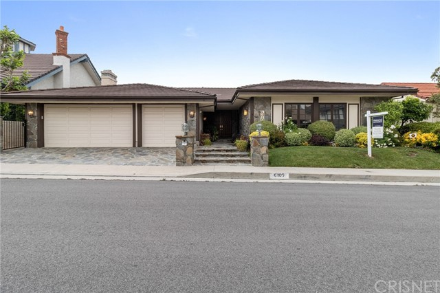 Photo of 6100 Woodland View Drive, Woodland Hills, CA 91367