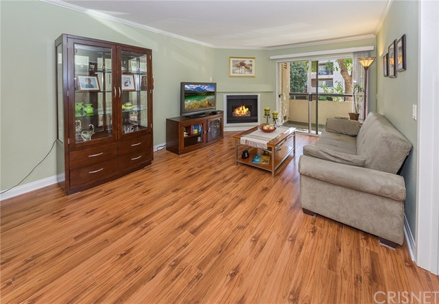 Photo of 5500 Owensmouth Avenue #118, Woodland Hills, CA 91367