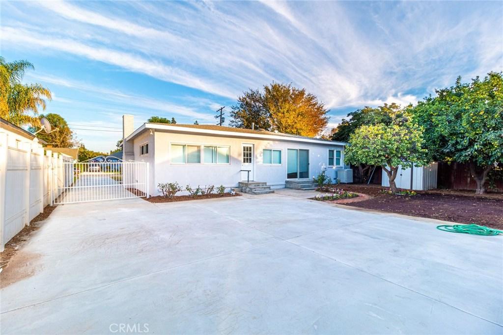 7517 Darby Avenue, Reseda, CA 91335