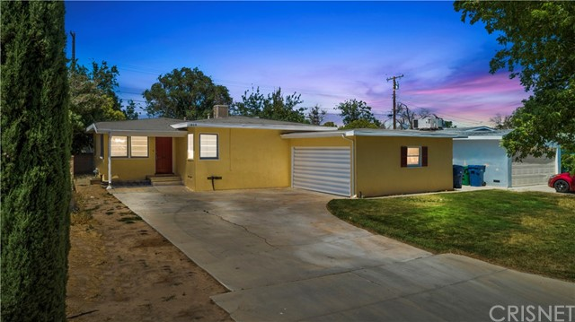 1809 E Avenue Q12, Palmdale, CA 93550 Photo