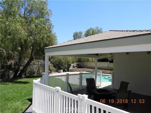 22906 Sycamore Creek Drive, Valencia CA: http://media.crmls.org/mediascn/4fa49a48-2a59-46a5-8aa5-89b000c05fc1.jpg
